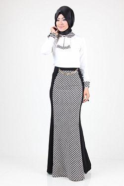 Siyah Beyaz Elbise Kombin